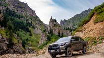 Yeni Toyota Hilux satışa sunuldu!
